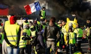Gilets jaunes : apaiser les tensions, garantir la protection de l'ordre public et les libertés fondamentales