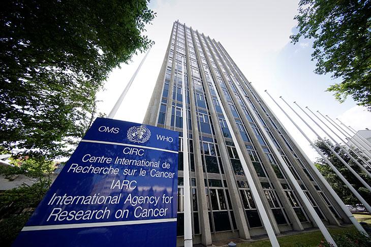 Pesticides : La commission PEST au Centre international de recherche sur le Cancer et à l'INRA